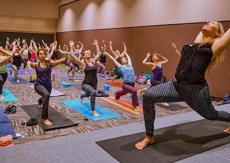 yoga2-studio-group2